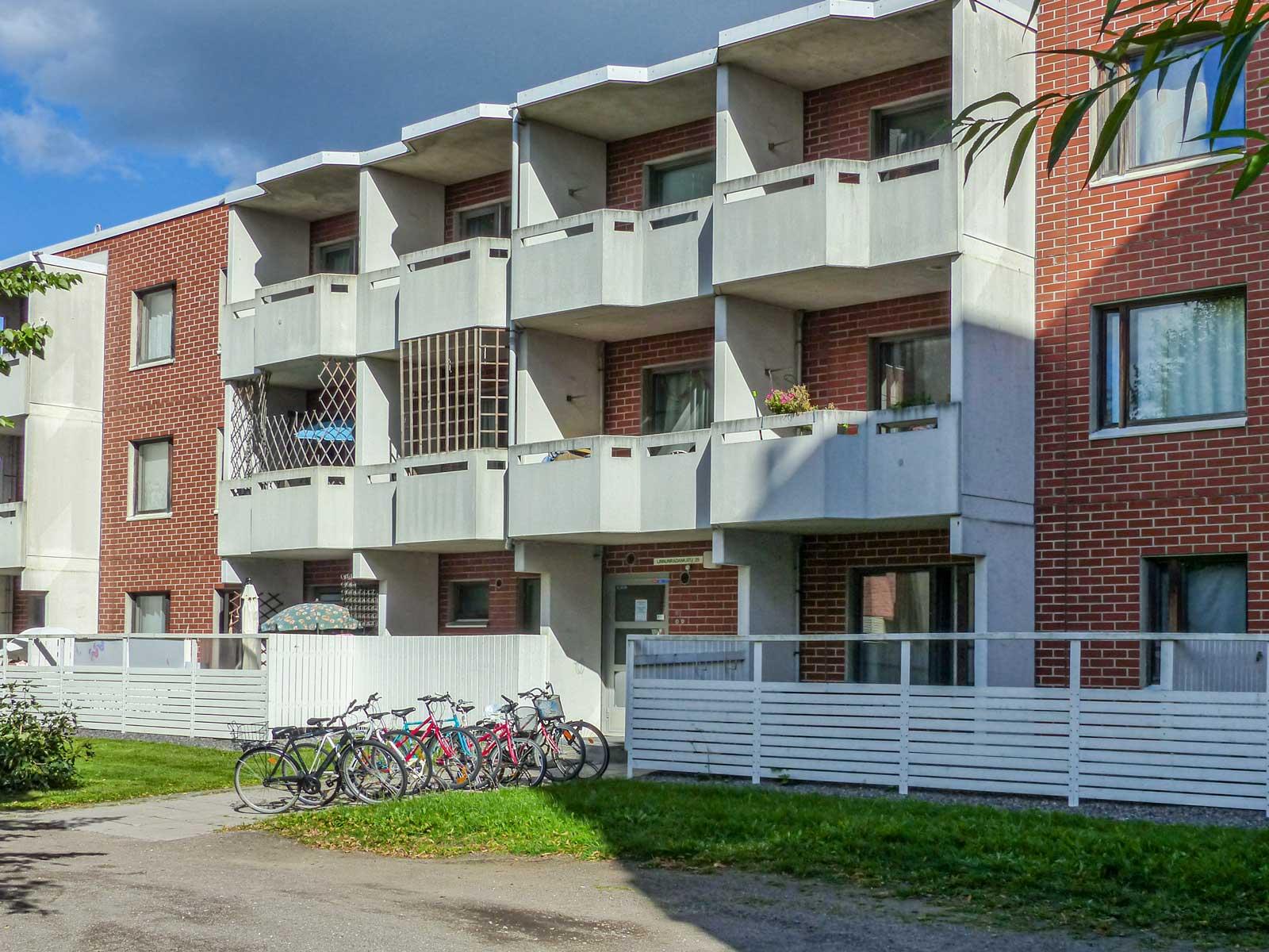 Linnunradankatu 25, Riihimäki
