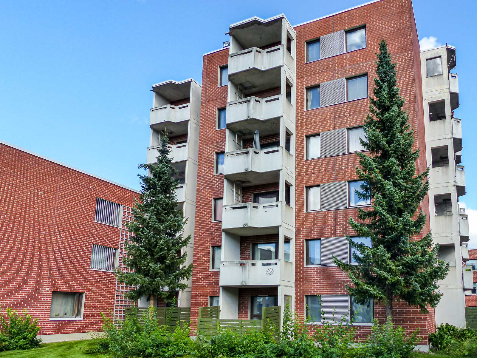 Linnunradankatu 27, Riihimäki
