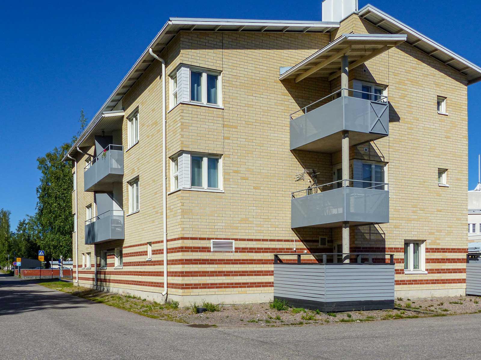 Oikokatu 15, Riihimäki
